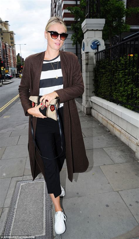 Maria Sharapova serves up a casual chic nautical ensemble for London dinner date   Daily Mail Online