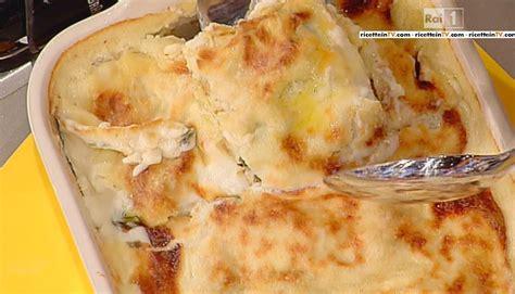 salsiccia mantovana la prova cuoco ricetta lasagne alle lenticchie rosse