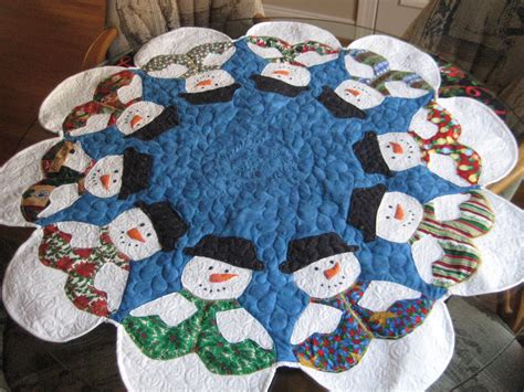 patterns quilted christmas table toppers mary manson quilts christmas table toppers