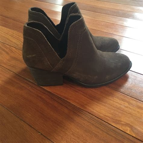 Steve Madden 7 5 by 58 Steve Madden Shoes Steve Madden Olive Green Bootie Size 7 5 From S Closet On