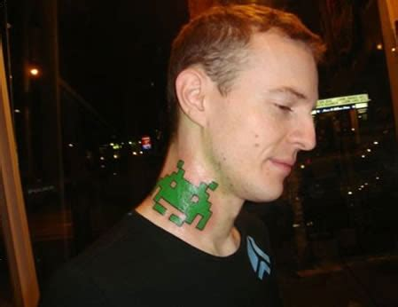 tato bintang keren di leher tato di leher yg unik dan aneh unikindo