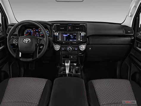 Toyota 4runner Interior Pics by 2017 Toyota 4runner Interior U S News World Report