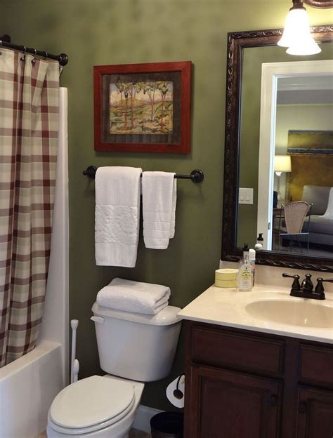 olive green bathroom best 25 olive green bathrooms ideas on pinterest