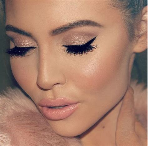 Eyeliner The One blush pink makeup look great for everyday looks everyday look