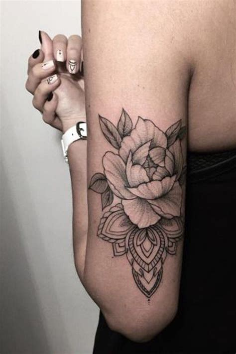 Les 25 meilleures idées concernant Rose Mandala Tattoo sur Pinterest   Tattoos mandala, Atouage