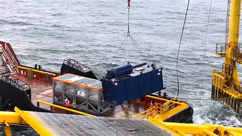 boat lift oil bad crane lift offshore youtube