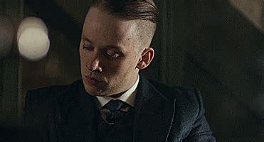 pinky blinders haircut straight outta birmingham peaky blinders john peaky