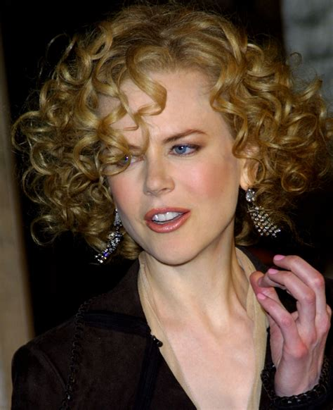 celebrity with blonde curly hair pictures 10 celebrities with naturally curly hair