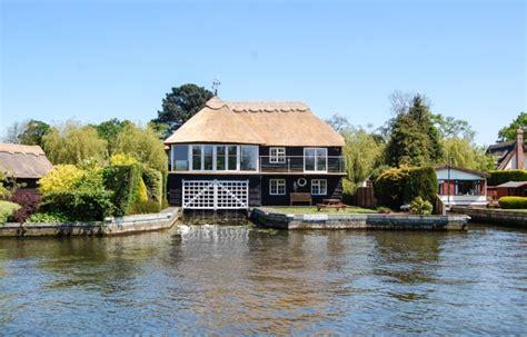Norfolk Broads Fishing Cottages by Harnser Lodge Riverside Rentals