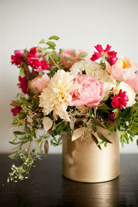 centerpiece flower vases best 25 gold vase centerpieces ideas on diy painted vases diy decorate vases and