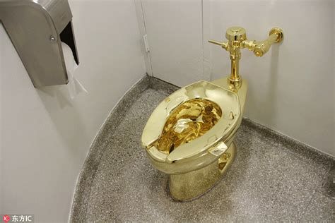 golden toilet gold toilet unveiled in new york 1 chinadaily com cn