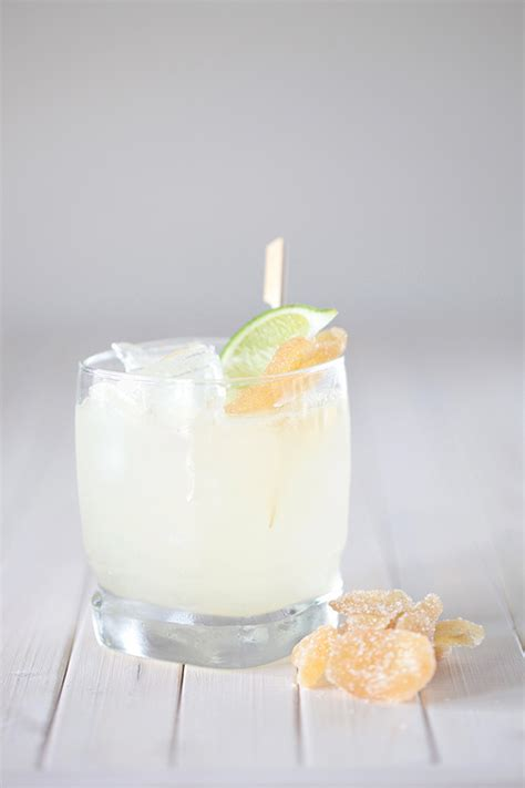 cocktail recipes for signature wedding drinks