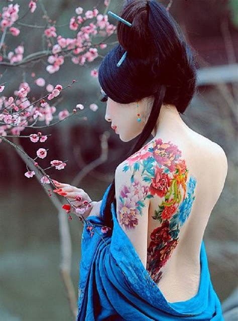 significato tattoo geisha con spada significato tattoo geisha geisha tattoo on tumblr