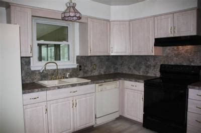 help out paint colors for foyer kitchen living and dining room