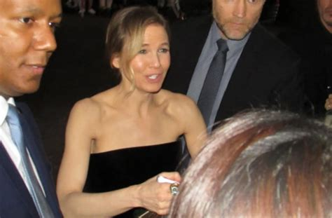 Renee Zellweger Steps Out In Nyc With Hermes And Louboutin by Fan Photos And From The Premiere Of Bridget Jones S