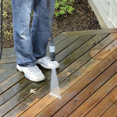 clean mold  mildew  wood decks decking