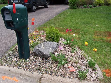 mailbox garden ideas mailbox landscape before gardening mailbox landscaping