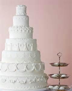 hochzeitstorte 4 stã ckig die gestaltung der hochzeitstorte weddingstyle de
