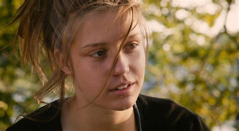 blue is the warmest color adele adele exarchopoulos as adele in la vie d adele blue is