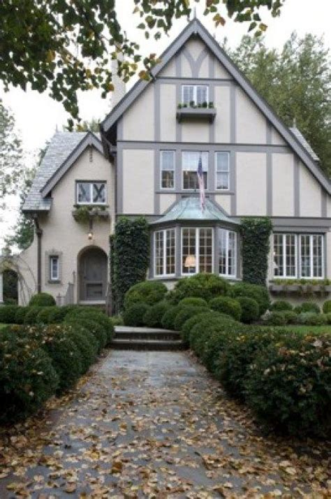 what is a tudor style house 25 best ideas about tudor style homes on pinterest