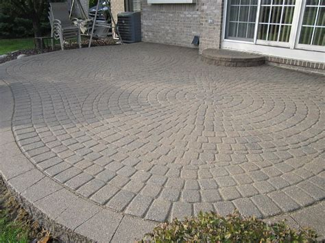 Easy Patio Pavers Simple Paver Patio House Laying Easy Patio Paver Ideas