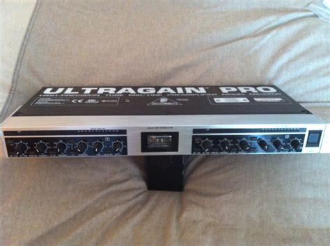 Ultragain Pro Mic2200 behringer ultragain pro mic2200 image 393377 audiofanzine