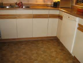 Laminate Kitchen Cabinets Refacing Painting Formica Cabinets Before And After Roselawnlutheran