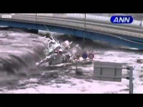 best tsunami footage best japan tsunami live footage