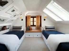 Wohnideen Schlafzimmer Mit Schrge Schlafzimmer Mit Dachschr 228 Ge Sch 246 Ne Gestaltungsideen