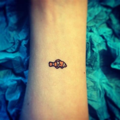 cute little nemo fish design pairodicetattoos com