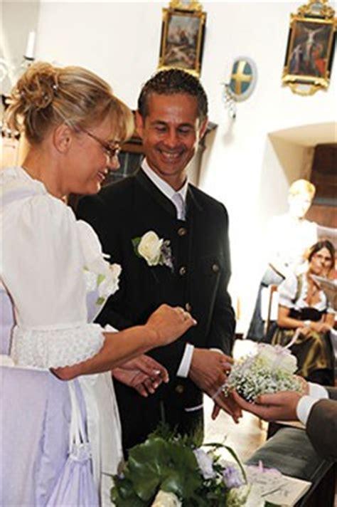 Brautfrisur Trachtenhochzeit by Trachtenhochzeit Brautschmuck Org