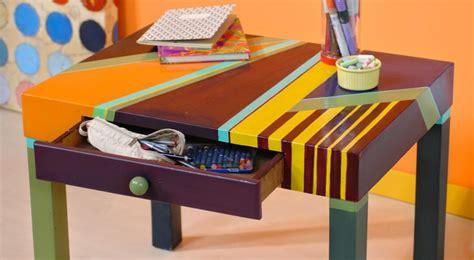 come verniciare un tavolo di legno in modo creativo