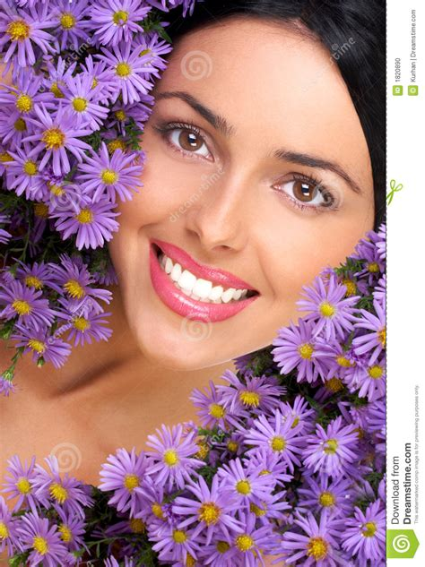 fiori e donne donna e fiori fotografia stock immagine di sorridere