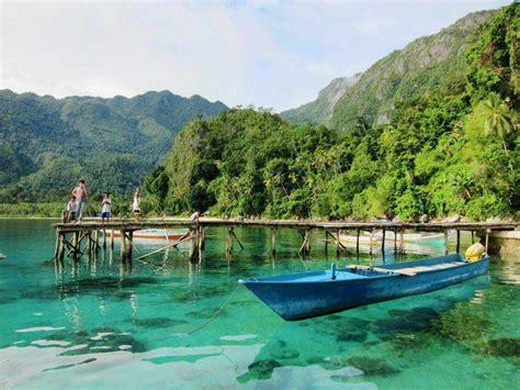 Jam Unik Bentuk Pulau Sulawesi Dari Kayu Kayu Hitam Langka 10 tempat wisata di maluku utara amabel travel