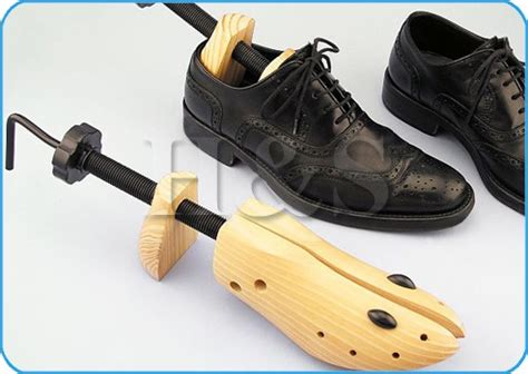 boot shapers target 2 x mens pine wood boot shoe tree stretcher wooden shaper