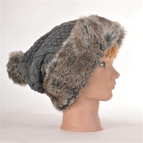 Bonnet Avec Des Bonnet Femme Avec Bandeau En Fourrure Et Pompon