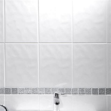 travis perkins bathroom tiles johnsons alpine bumpy white tile 300mm x 200mm pack of 17