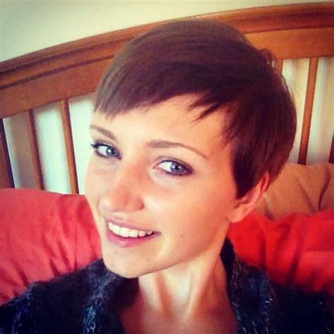 Eyeshadow Pixy Sorrel Brown brown pixie cut hair light hair