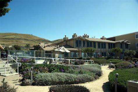 cliffside view of cottage inn picture of pismo