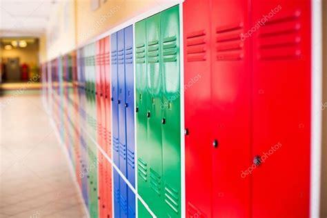 armadietti in metallo armadietti metallo colorati idee per la casa