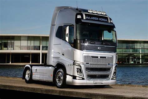 mclaren truck volvo trucks noul partener logistic al mclaren honda