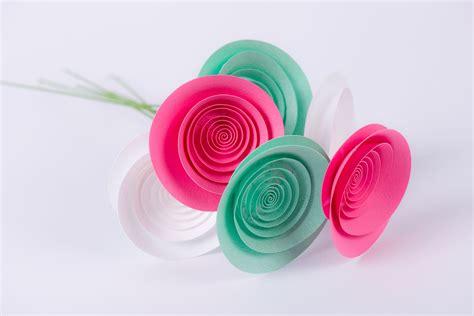 mazzo di fiori di carta fiori di carta mazzo rugiada di agosto cartacolorata it