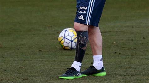 messi tattoo echt messi treedt met nieuw linkerbeen aan tegen aartsvijand