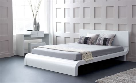platform bedroom sets king also modern size interalle com modern king size platform gallery with bedroom sets
