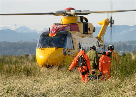 Search And Rescue Royal Canadian Air News Article Canadian Search And Rescue Technicians