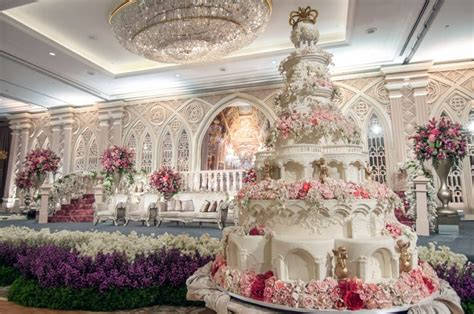 Mukena Bali Tiedye Belissimo By Gie 4 world s most extravagant wedding cakes for budget busting
