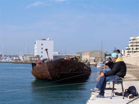 pesca al cefalo nei porti pesca al porto di bari pescareonline it