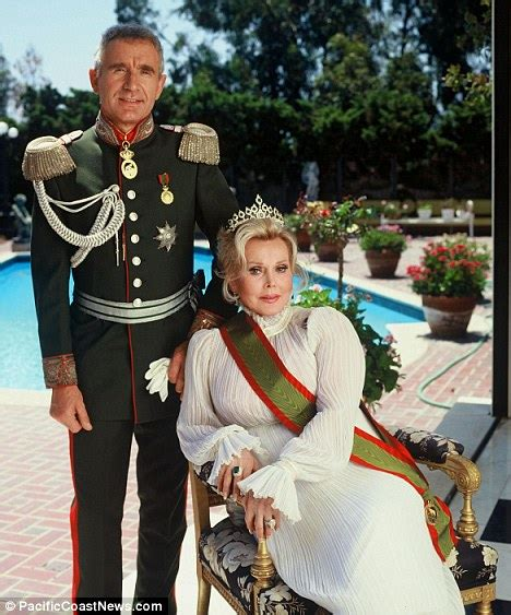 Zsa Zsa Gabors Husband I Might Be Dannielynns by Zsa Zsa Gabor S Husband Assembles A Motley Crew For