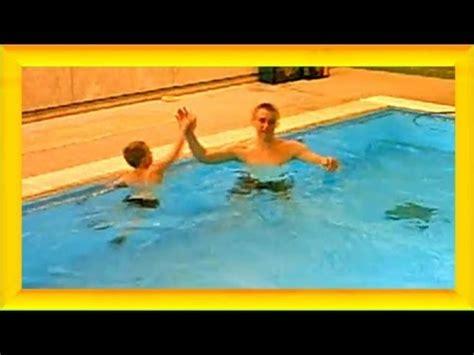 schwimmkurs ab wann schwimmen lernen mit spa 223