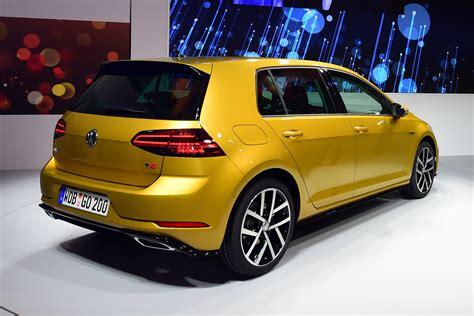 New Volkswagen Golf by New 2017 Volkswagen Golf Facelift Pictures Auto Express